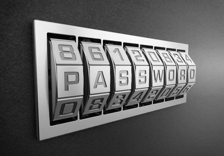 Делите пароли на очень важные и менее важные. Пароли от личной почты и банка - важные, от форума любителей собак или платежей за электричество - менее важные