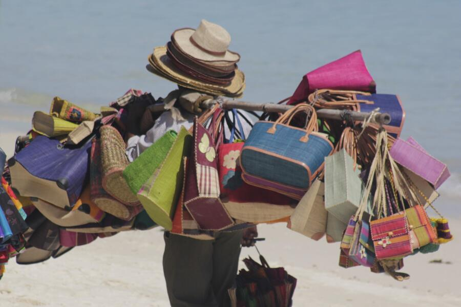 Пляжный аксессуар номер один. Как выбрать пляжную сумку?