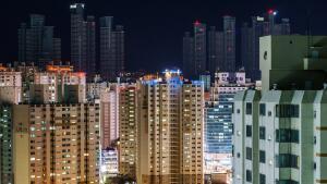 Экологический комфорт в новостройках: где лучше - в центре городов или на окраинах?