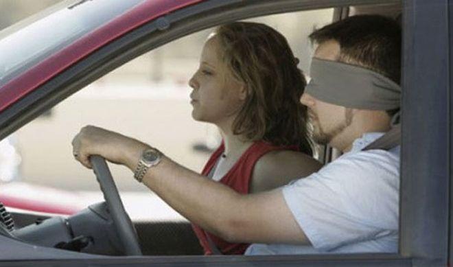 В Алабаме нельзя управлять машиной с завязанными глазами
