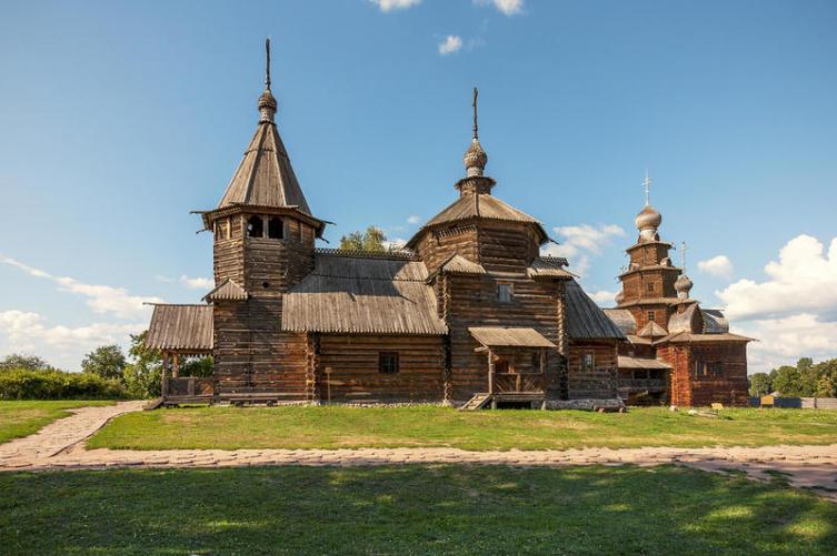 Старинная церковь, Суздаль