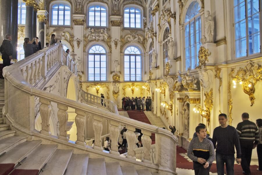 Интерьер Зимнего дворца с Иорданской лестницы