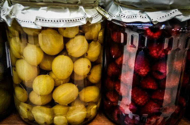 Как приготовить наливку к празднику? Коллекция простых рецептов