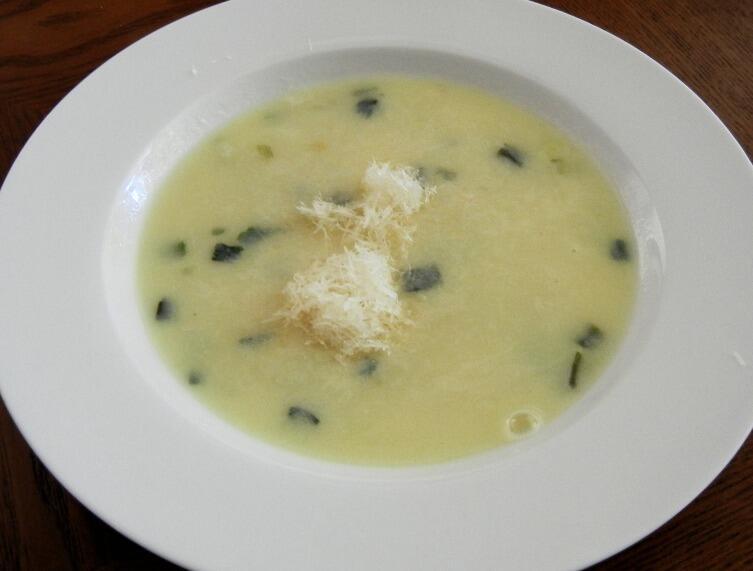 Суп «Азиза» и ещё кое-что из плавленых сырков. Давайте вкусно поедим?