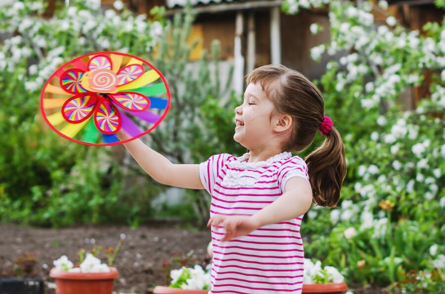 Чем занять ребенка на даче? Провести сеанс арт-терапии