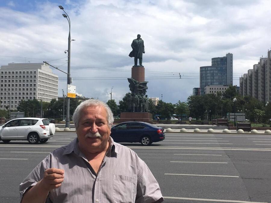 Вот и встретился опять с Лениным…