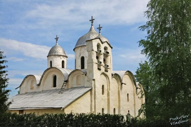 Собор Иоанна Предтечи, Псков