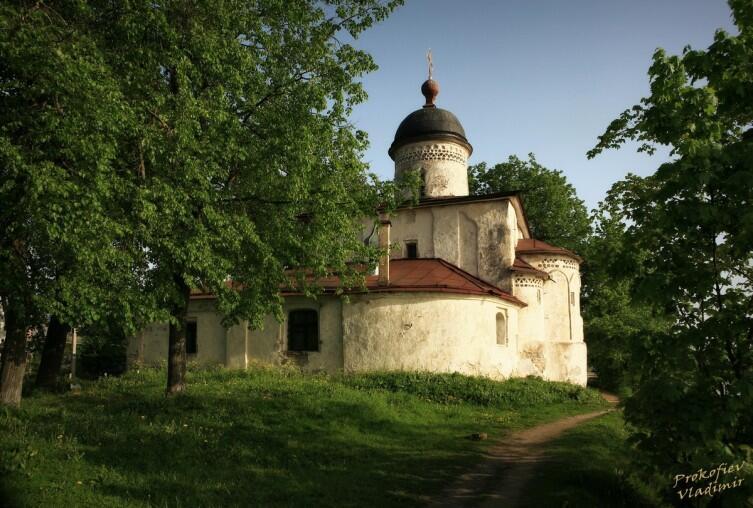 Церковь папы Климента бывшего Климентского монастыря в Завеличье датируется XVI веком