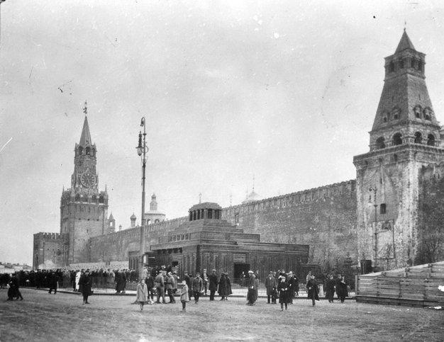 Мавзолей Ленина, 1928 год