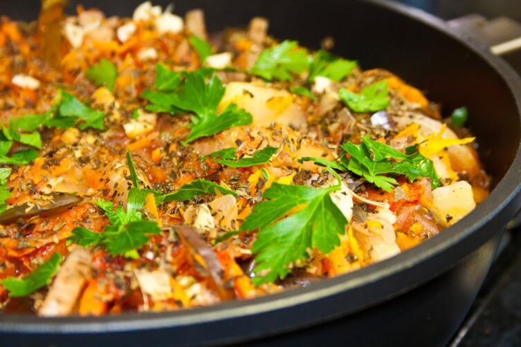 Чем хороши баклажаны и как их запечь в духовке?