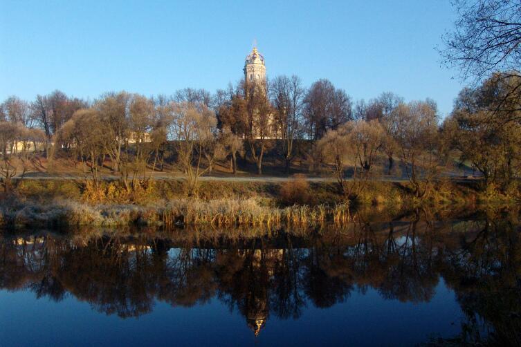 Знаменская церковь в Дубровицах (Подмосковье)