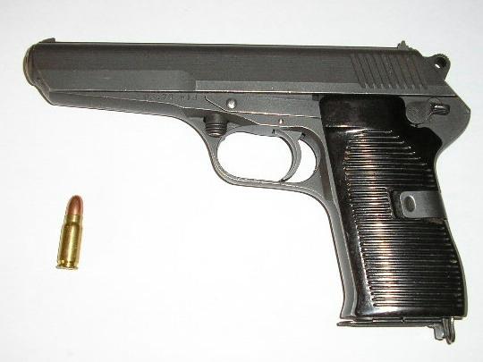 Cz52 и патрон M48 (начальная скорость пули — 480 м/с)