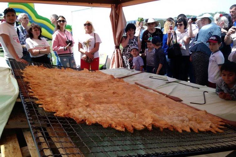 Самый большой в мире чебурек