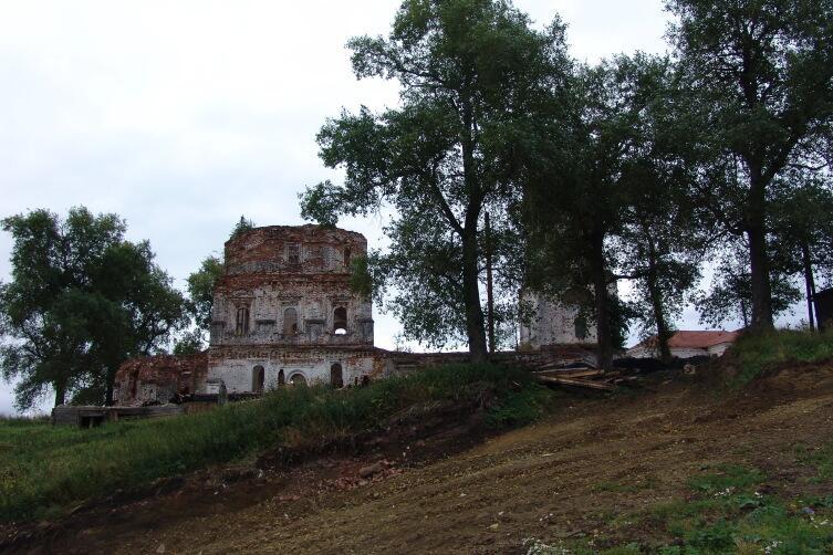 Красногорский монастырь, Пинега. Был разорён и закрыт в 1920 году