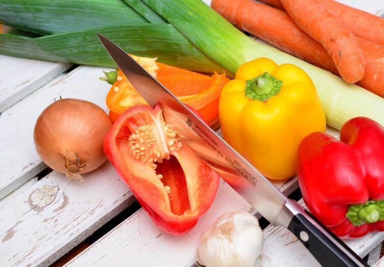 Как приготовить вкусное лечо? Секреты домашнего консервирования