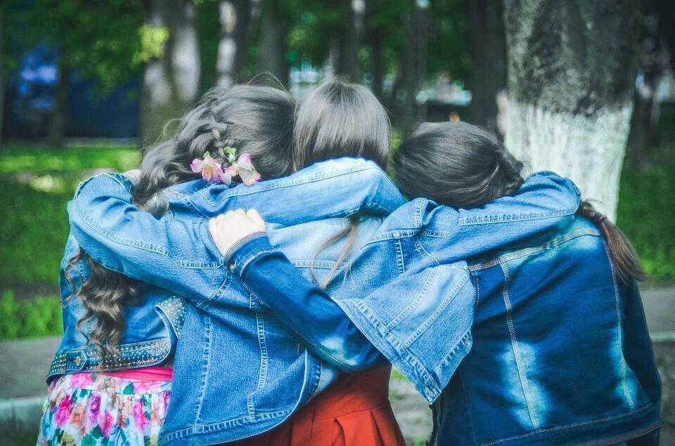 фотографии про дружбу подруг интересные