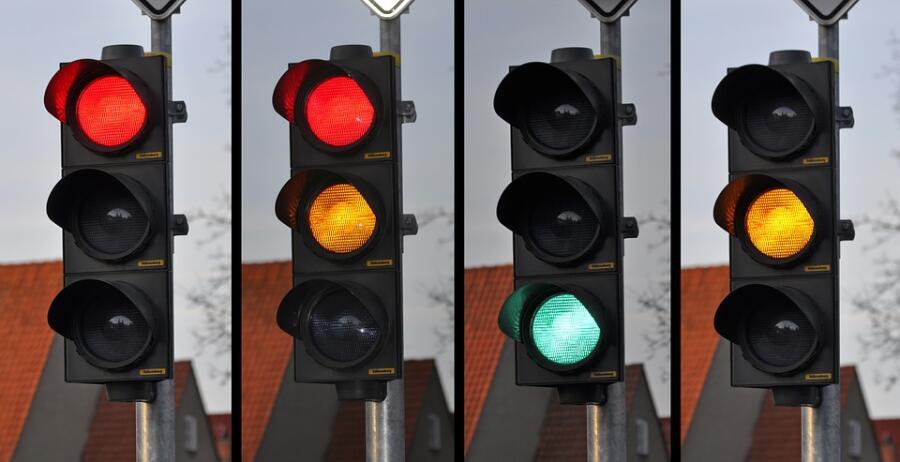 Когда и где появились первые в мире светофоры?