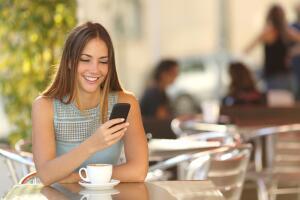 Как правильно общаться по мобильному телефону?