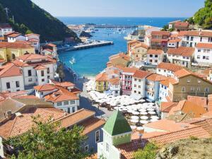 Чем привлекателен отдых в Испании?