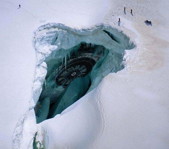 Что скрывается в глубинах Антарктики?
