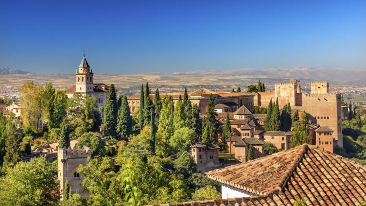 Замок Альгамбра в Андалузии