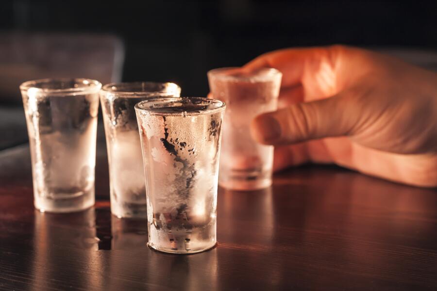 Чем лучше всего запивать водку?