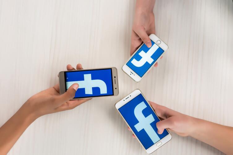 «Faceboоk» на каждом своем пользователе ежегодно зарабатывает более пяти долларов