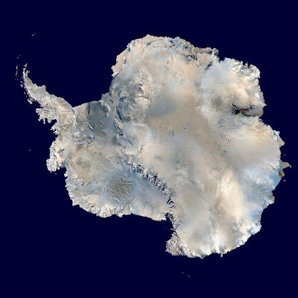 Спутниковое фото Антарктиды