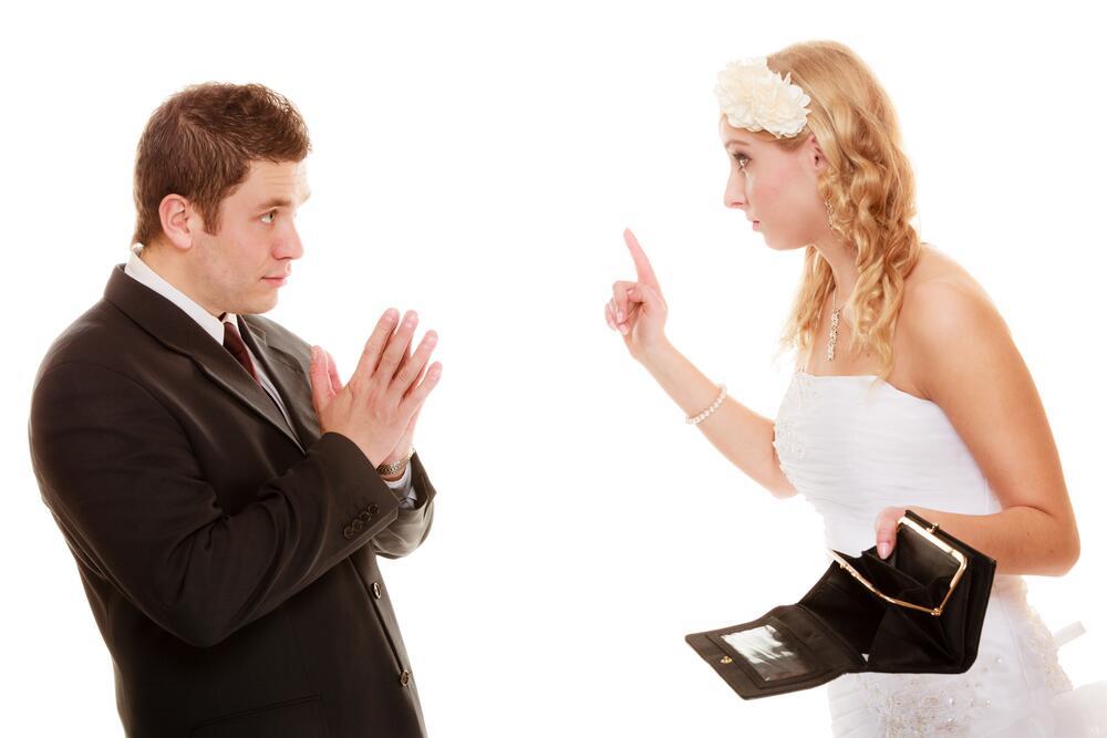 Мужчина наблюдает как девушки ласкают друг друга, сладкие мамочки приват