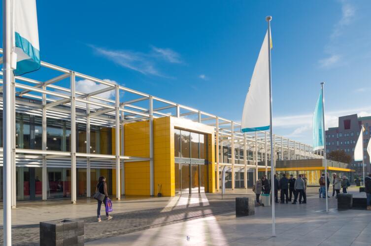 Средняя школа в г. Зволле, Нидерланды