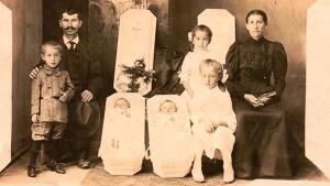 Зачем в XIX веке фотографировали мертвых людей?