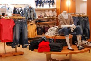 Как одеваться модно, если финансовые возможности ограничены?
