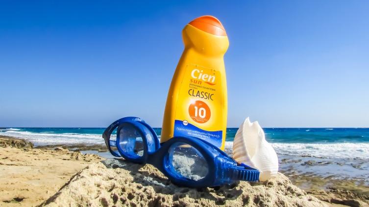 Пользуйтесь солнцезащитными кремами