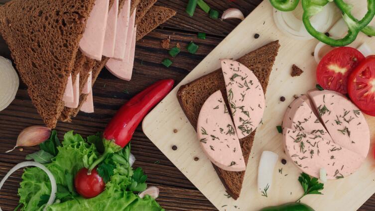 Бородинский хлебушек и докторская колбаска