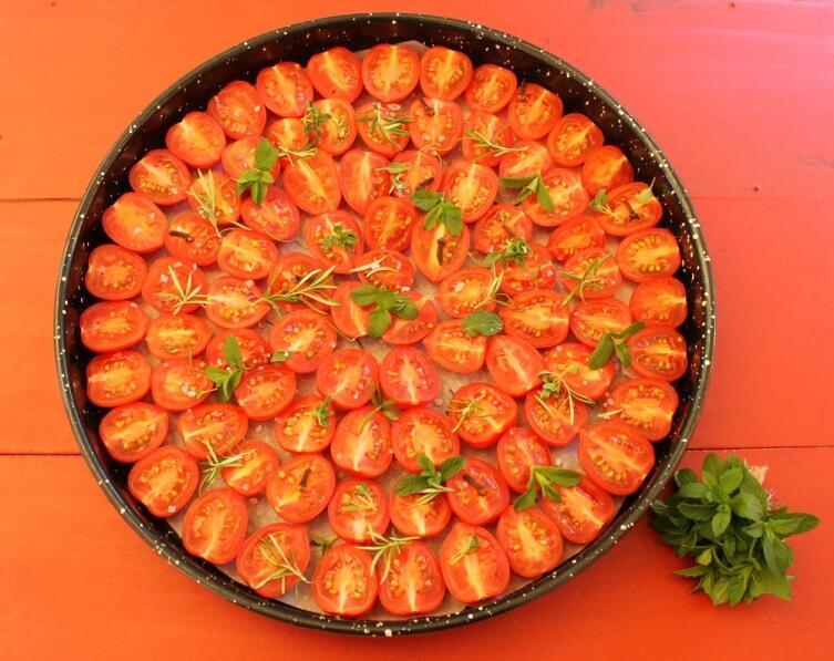Вялятся долго, съедаются быстро - что за томаты?