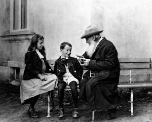 Каким видели Льва Николаевича Толстого его современники?
