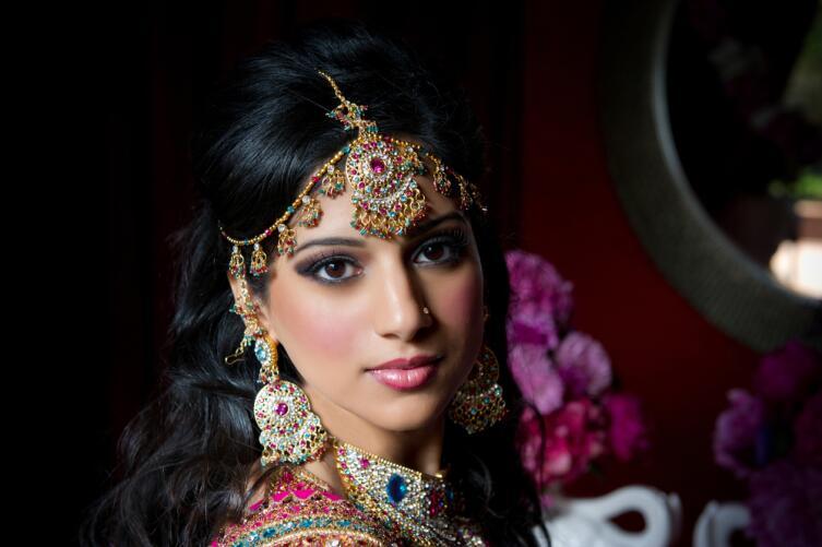 Из каких специй состоит индийская маска для волос?