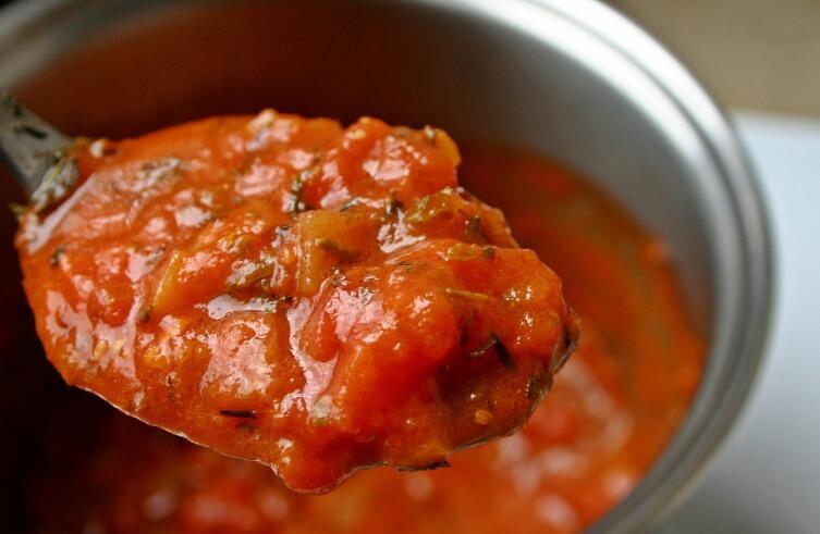 Припасы на зиму. Как приготовить вкусные томатные соусы?