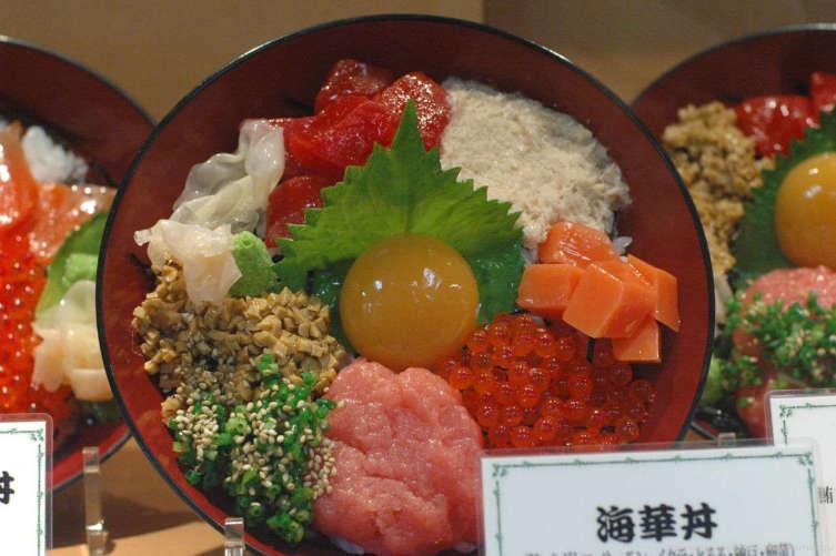 Японцы преуспели в изготовлении бутафорской еды