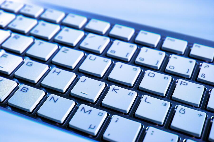 Как вводить символы, отсутствующие на клавиатуре?