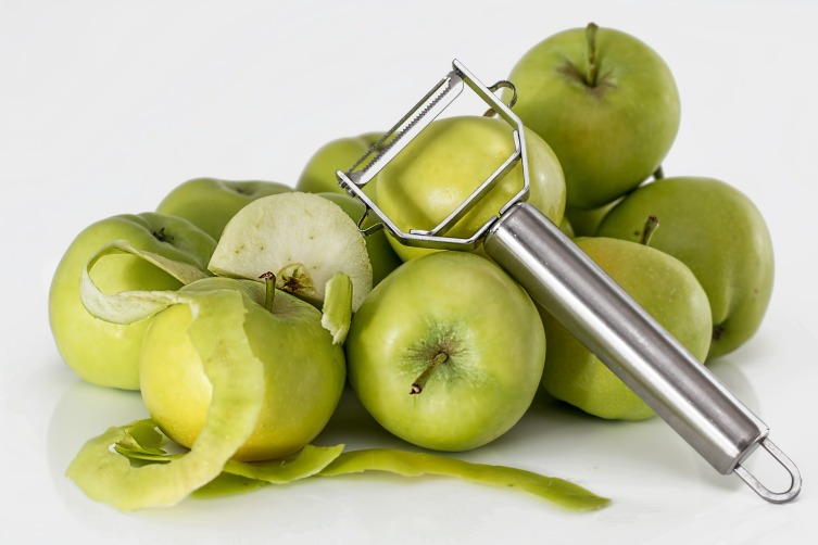 Как испечь яблочную запеканку?