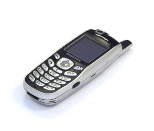 Почему кнопочные мобильники лучше смартфонов?