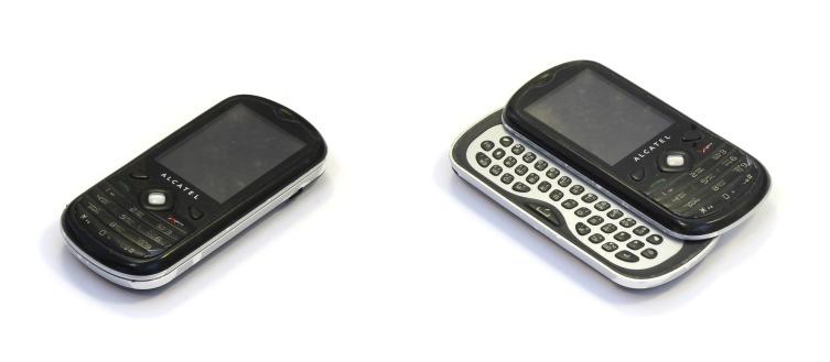 Маленькие кнопочные телефоны опять набирают популярность