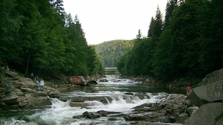Один из водопадов на р. Прут