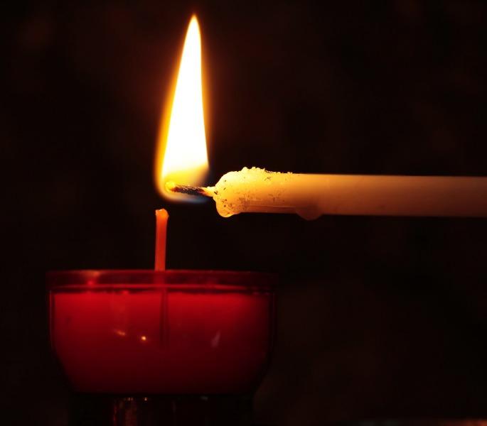 Розовая свеча решит проблемы в личной жизни, а желтая разбудит фантазию
