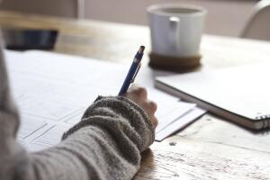 Как правильно заполнять анкету при трудоустройстве?