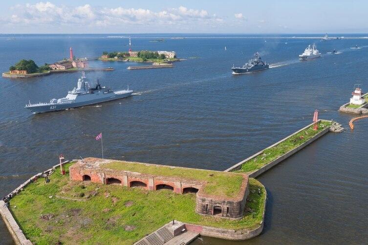 Корвет «Сообразительный» на главном военно-морском параде в Кронштадте