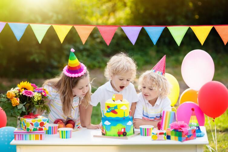 Именинный торт, как кульминация праздника, обязателен!