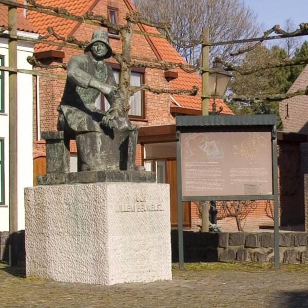 Памятник Якобу Виллему Бейкельсу в Бирвлите, Зеландия