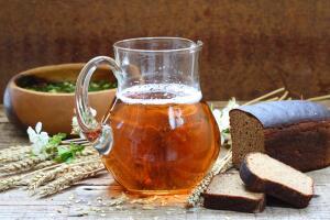 Квас использовали не только как питье, но и для приготовления исконно русских кушаний: окрошки, киселей, кисельных щей...